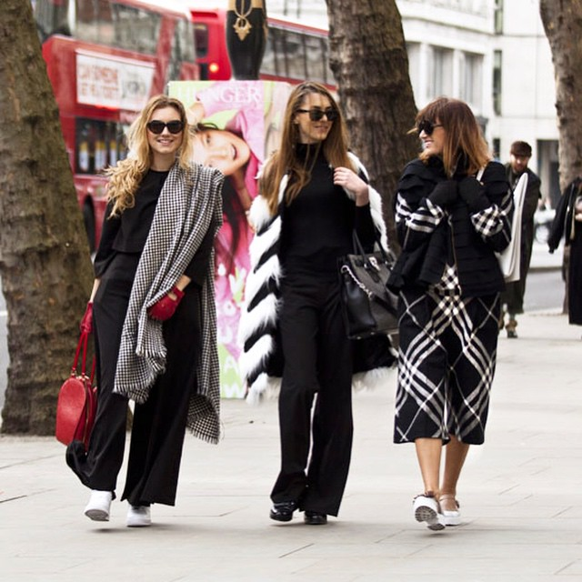 With this beautiful girls @andreeacristea @lastminutecouture in @londonstreetstyle
