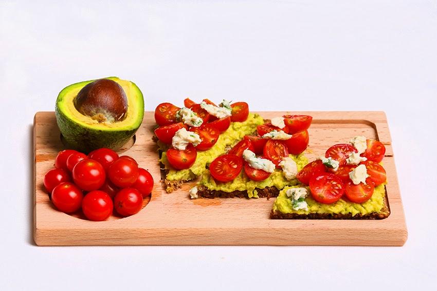 Bruschetta with avocado