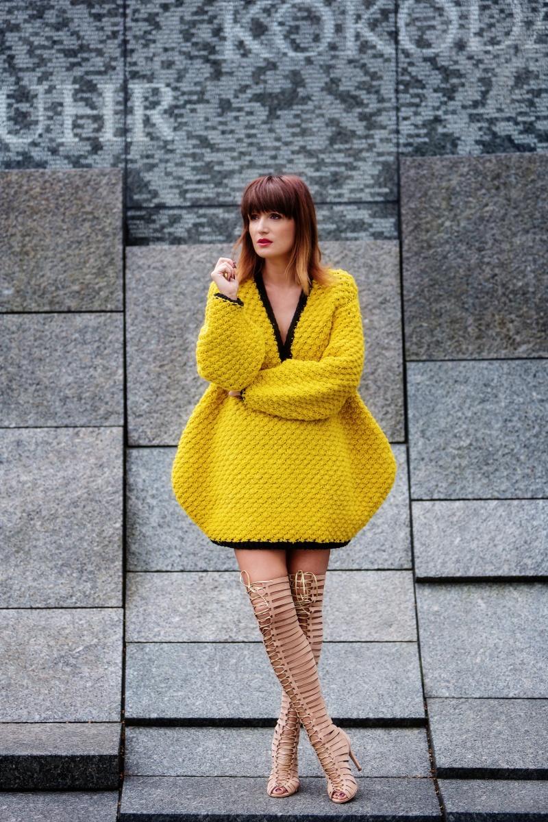 Yellow outfit, London Fashion Week, Gladiator, Carmen Negoita1