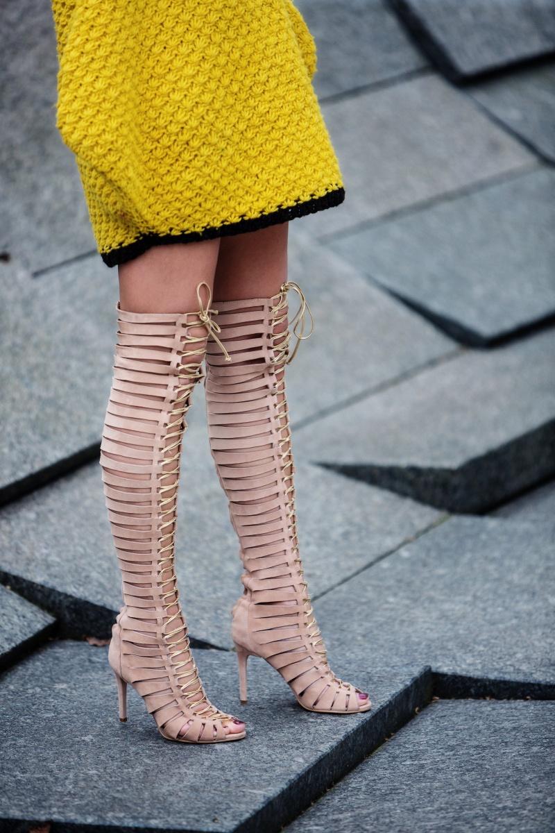 Yellow outfit, London Fashion Week, Gladiator, Carmen Negoita2