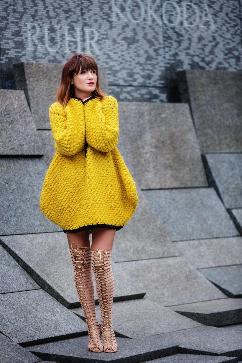 Yellow outfit, London Fashion Week, Gladiator, Carmen Negoita4