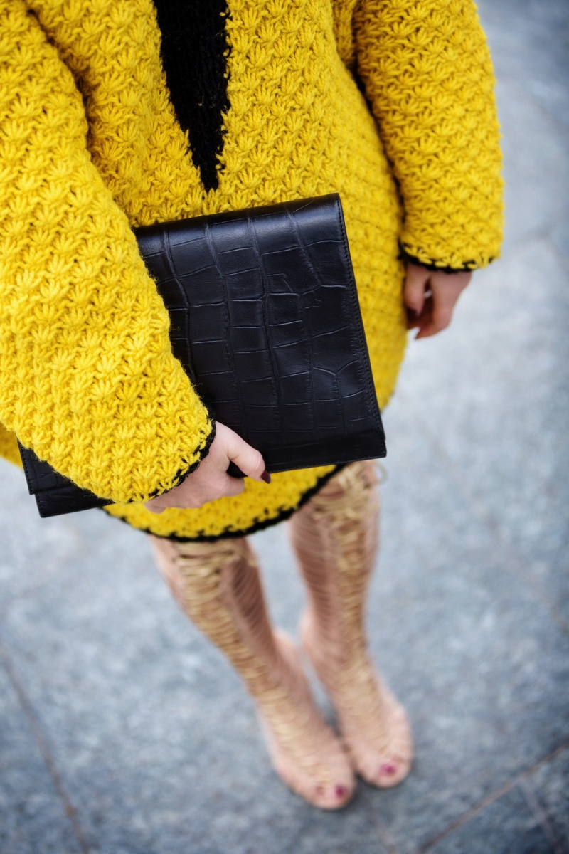 Yellow outfit, London Fashion Week, Gladiator, Carmen Negoita5