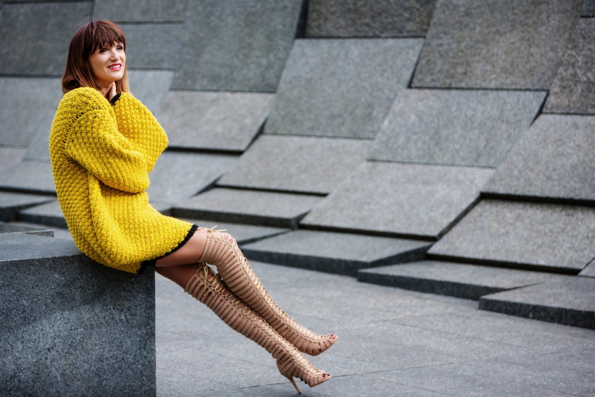 Yellow outfit, London Fashion Week, Gladiator, Carmen Negoita6