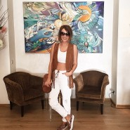 My #white and #camel #ootd! Jeans from @topshop, vest from…