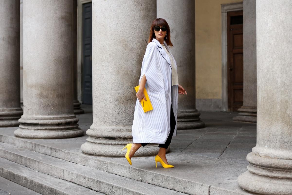 Yellow shoes, Cape, Carmen Negoita, Milan Fashion Week1 (12)