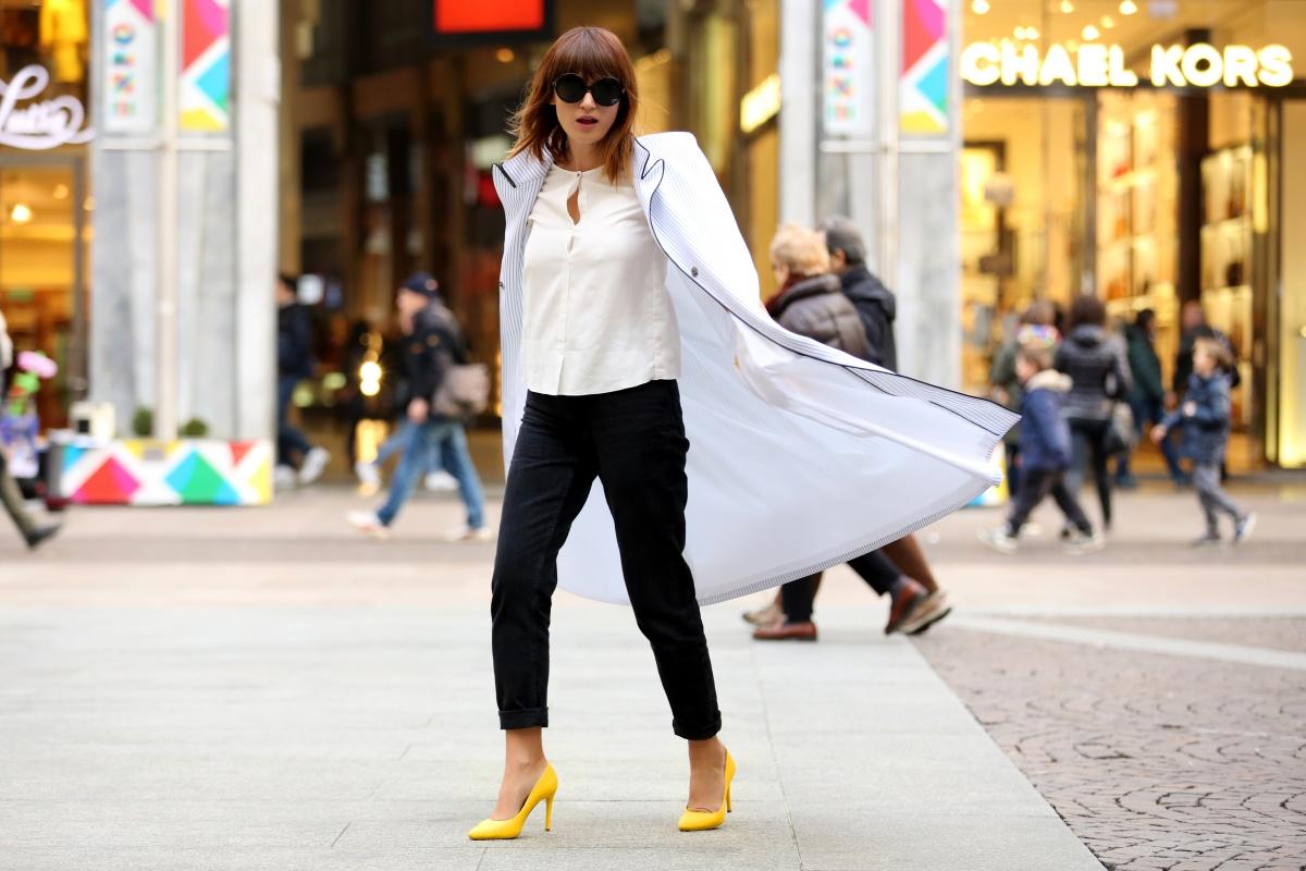 Yellow shoes, Cape, Carmen Negoita, Milan Fashion Week1 (4)