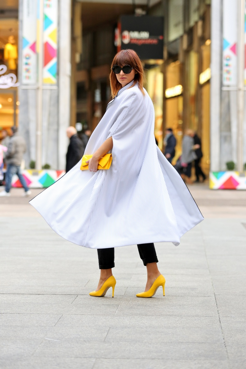 Yellow shoes, Cape, Carmen Negoita, Milan Fashion Week1 (5)