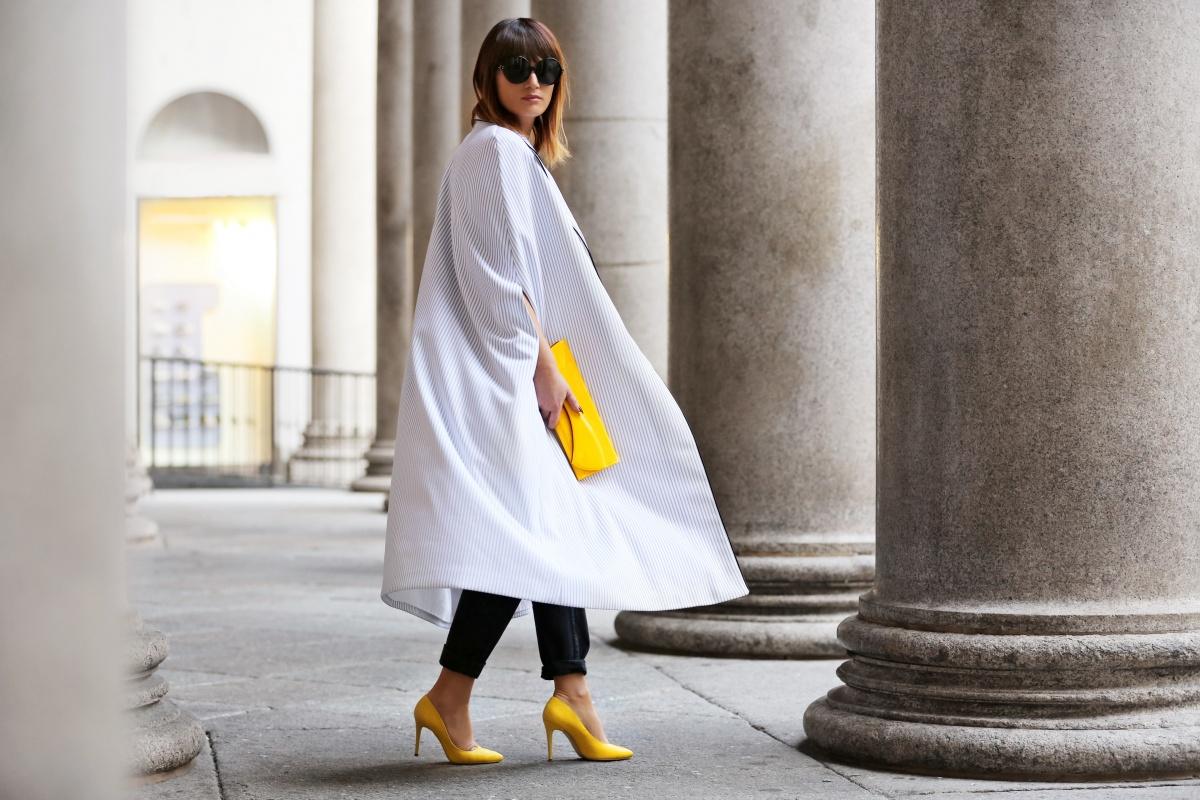 Yellow shoes, Cape, Carmen Negoita, Milan Fashion Week1 (7)