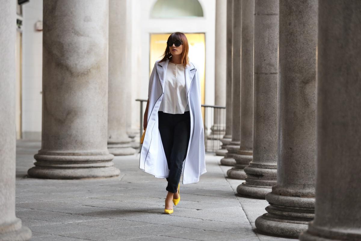 Yellow shoes, Cape, Carmen Negoita, Milan Fashion Week1 (8)