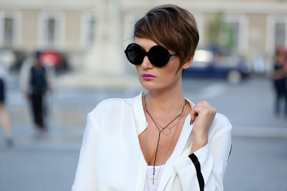 Carmen-Negoita-Blog-Linda-Farrow-Round-Black-Sunglasses-Feeric-Fashion-Days-Alba-Iulia