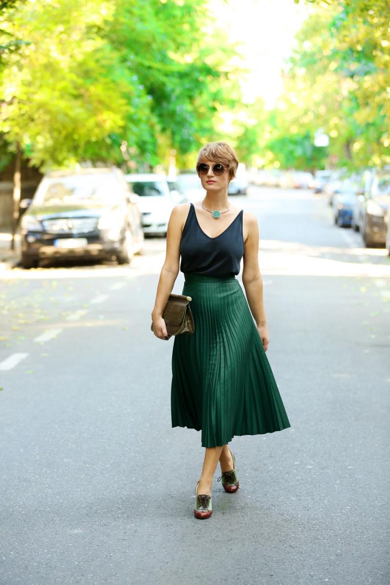 carmen-negoita-cum-sa-porti-fusta-plisata-plated-skirt (13)