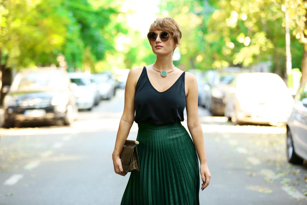 carmen-negoita-cum-sa-porti-fusta-plisata-plated-skirt (14)