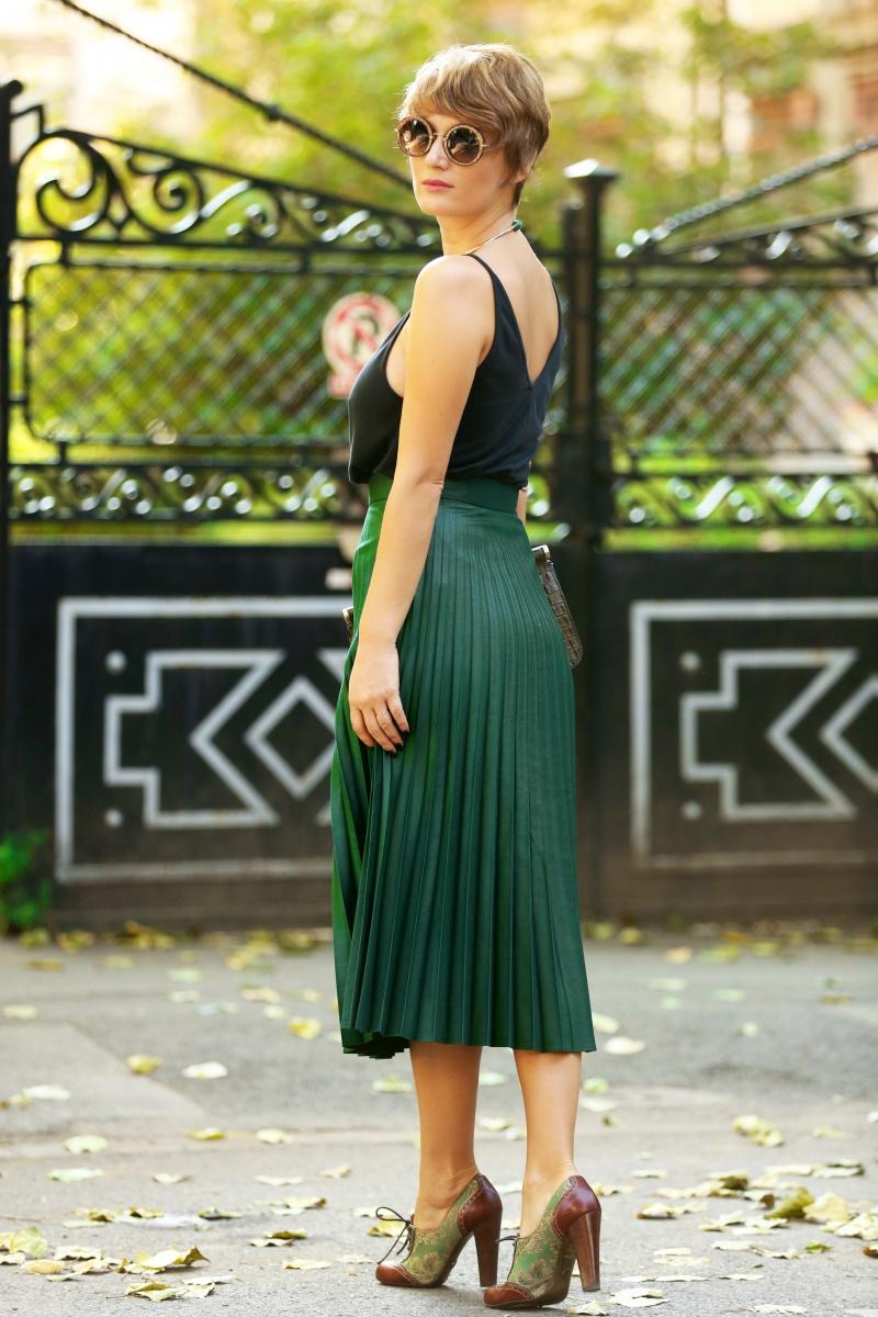 carmen-negoita-cum-sa-porti-fusta-plisata-plated-skirt (17)