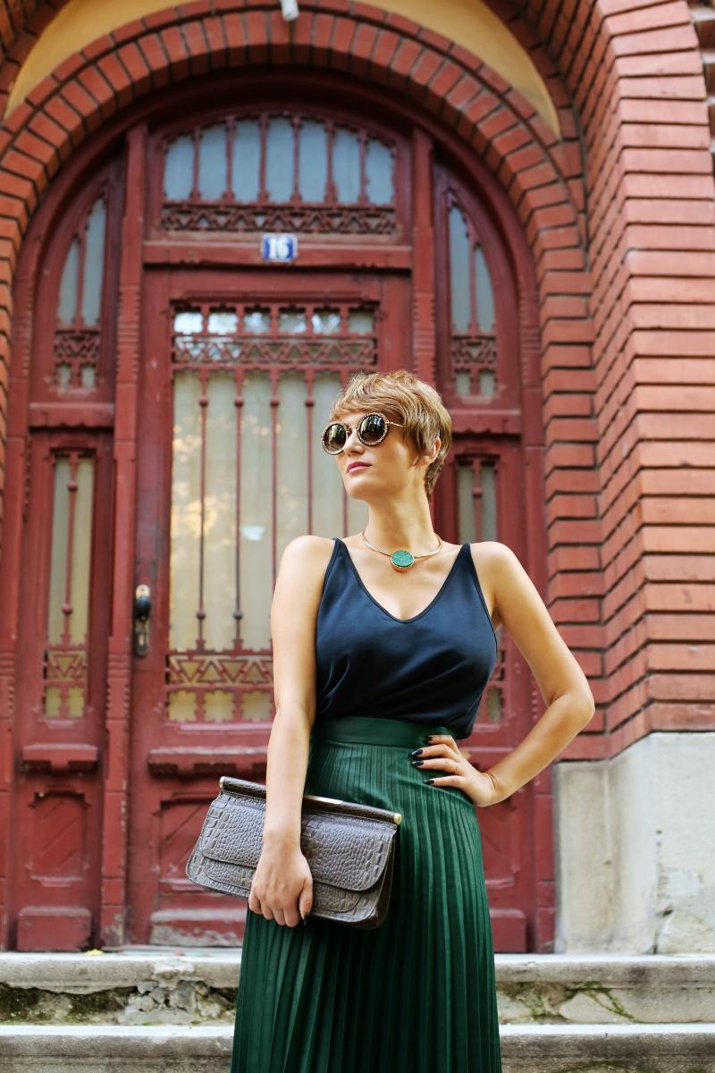carmen-negoita-cum-sa-porti-fusta-plisata-plated-skirt (20)