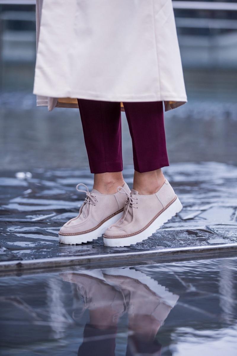 funny-packs-rose-quartz-milano-fashion-week-street-style-4