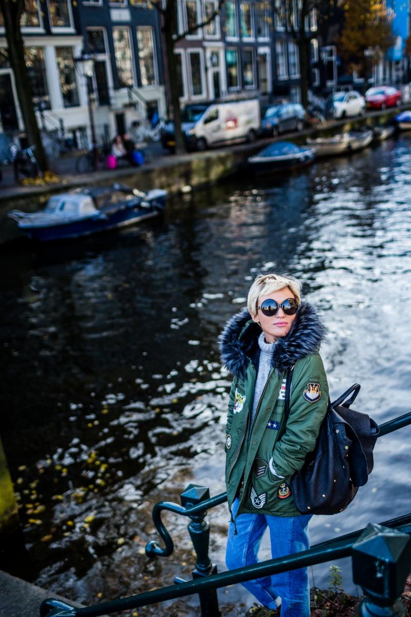Amsterdam palau travel